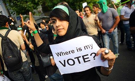 (4) İran'da seçimler sonrasında bir gösterici